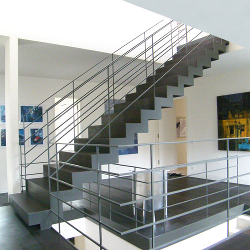 einl ufige zick zack treppe. Black Bedroom Furniture Sets. Home Design Ideas