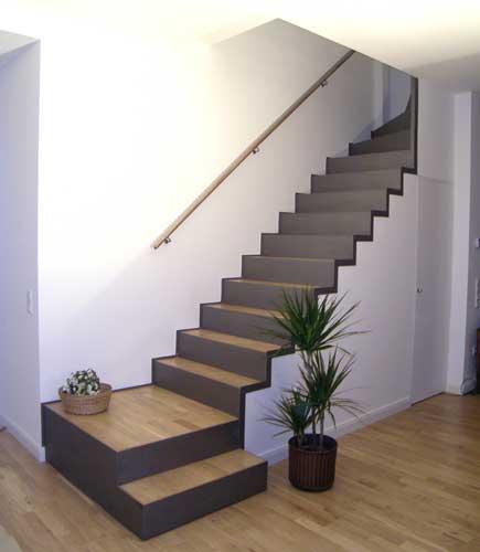 Treppe mit integriertem Abstellraum